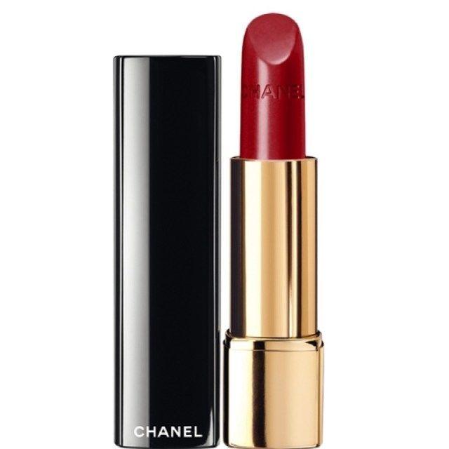 ClioMakeUp-rossetti-rossi-piu-venduti-best-seller-economici-lusso-migliori-top-preferiti-clio-Chanel, Chanel Allure Le Rouge Intense in Pirate. Prezzo: 36,50€