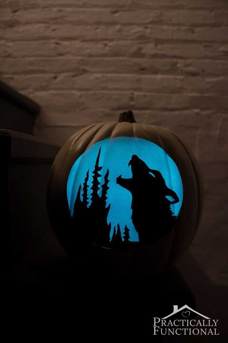 Make your own glow in the dark pumpkins in just a few minutes! What a fun alternative to carving pumpkins!