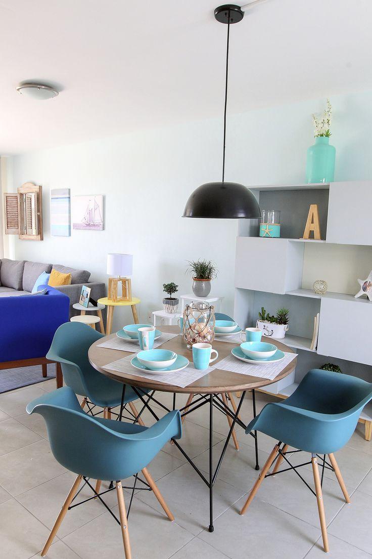 Salon y comedor con tonos azules, recordando el mediterraneo, un ambiente juvenil, moderno, y retro,  #retro, #blue, #blueideas, #decoration, #bluelivingoom, #comedor, #salonazul, #lovedecor, #decotendences, #retroideas