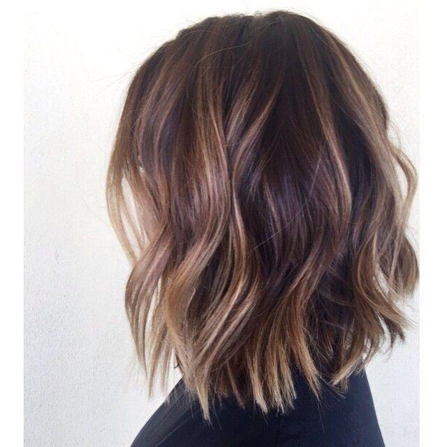 Ombre Hair Et Meches Miel 20 Modeles Impressionnants En 2020 Cheveux Courts Bruns Coupe Coiffure Idee Couleur Cheveux