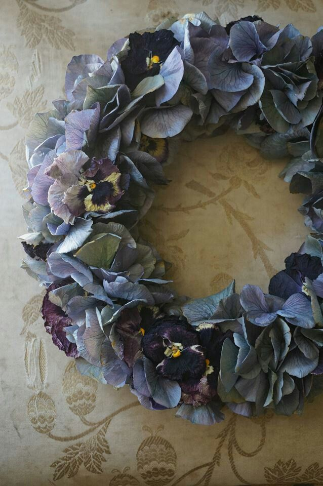 lovely wreath- hydrangeas and pansies