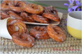 Estas rosquillas están ahora en todas las confiterías de León, antes no teníamos dulce para este día pero ya se lleva varios años hacie...