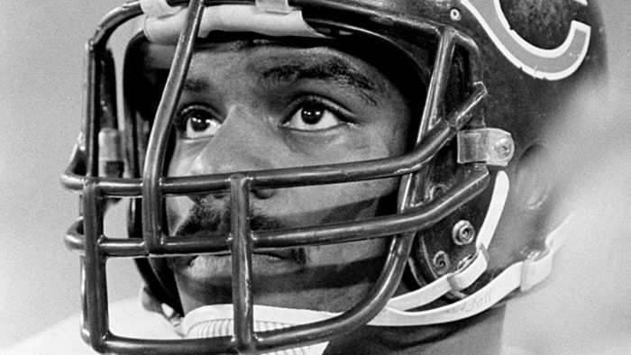 """Dave Duerson: The Ferocious Life and Tragic Death of a Super Bowl Star - Men's Journal  May 2, 2011, Center for Study of Traumatic Encephalopathy, Boston University School of Medicine announced Duerson was suffering from a """"moderately advanced"""" case of chronic traumatic encephalopathy (CTE) – linked to repeated blows to the head: symptoms include memory loss, depression,dementia – when he committed suicide. 17 months later, Duerson's CTE was confirmed in the scientific journal 'Brain.'"""