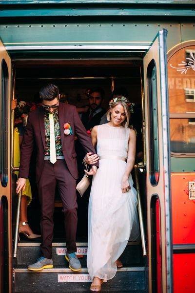 trolley transportation | Veronica Varos #wedding