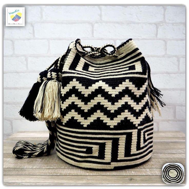 9 отметок «Нравится», 1 комментариев — Wayuu Bags &Bikini etc. (@wayuukiss) в Instagram: «Wayuu bag double strands รุ่น traditional ⭕️Sold out⭕️ •ฐาน 9นิ้ว สูง 11นิ้ว •สายยาว 96 cm. •ฟรี…»