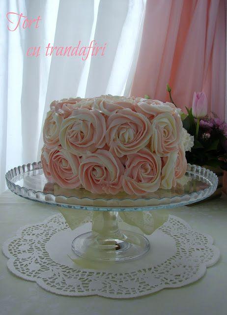 Comori Delicioase: Tort cu trandafiri