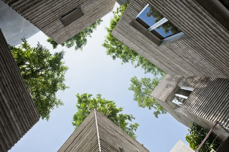 13 Bangunan dengan Atap Hidup Berupa Taman Bunga dan Tanaman