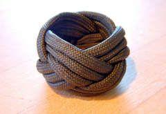 turks head knot. (bracelet or ring)