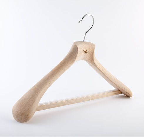 Toscanini Su Misura® is born, an exclusive project dedicated to all who appreciate the uniqueness of an object created by craftsmen and made to satisfy a special personal requirement. With the SuMisura project, Toscanini offers a brand new range of wooden clothes hangers made to the Client's measurements, to guarantee a perfect support for your clothing and keep them in shape.