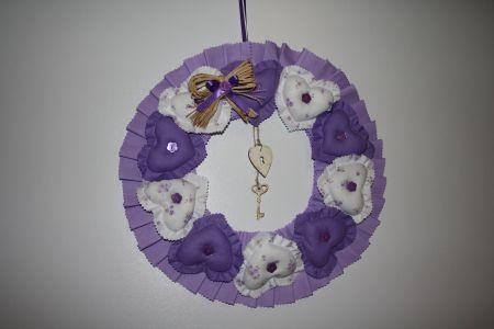 Mor Kumaş Kalplerle Çevrili Kapı Çelengi - Wreath Encircled with Purple Hearts