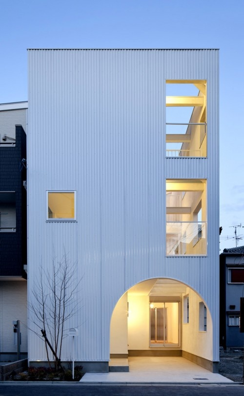 Modern house by Takeshi Hamada