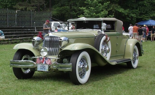 1931 Cord L-29 Cabriolet The material which I can produce is suitable for different flat objects, e.g.: cogs/casters/wheels… Fields of use for my material: DIY/hobbies/crafts/accessories/art... My material hard and non-transparent. My contact: tatjana.alic@windowslive.com web: http://tatjanaalic14.wixsite.com/mysite