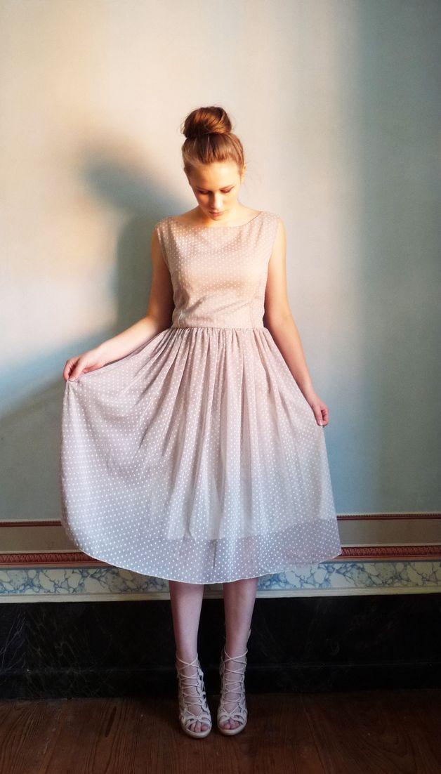 Leichtes unterfüttertes Kleid aus Chiffon mit Tupfen, elegantes Outfit / elegant and festive midi dress with little dots made by Jamè Lillly via DaWanda.com