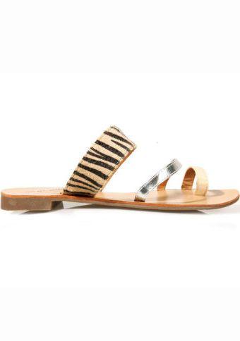 Ploché sandály se zebřím motivem #ModinoCZ #sandals #shoes #style #fashion #animal #boty #zabky #pantofle #sandaly #moda