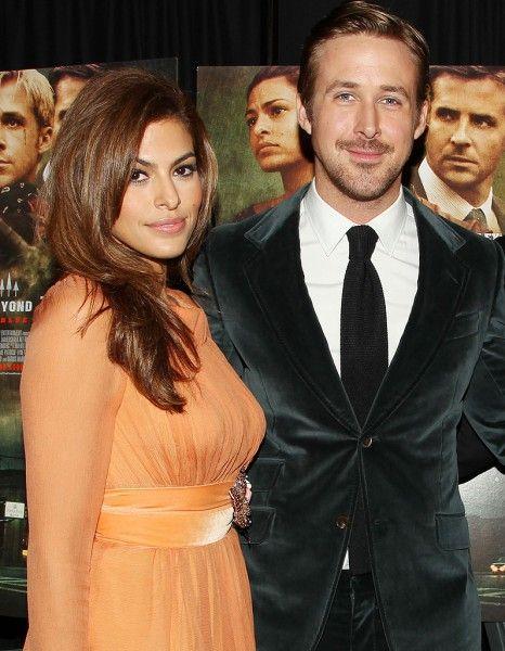 Il ne s'y attendait pas. Ryan Gosling aurait été très surpris lorsqu'Eva Mendes lui a annoncé sa grossesse http://www.elle.fr/People/La-vie-des-people/News/Ryan-Gosling-voulait-il-vraiment-un-enfant-avec-Eva-Mendes-2736940