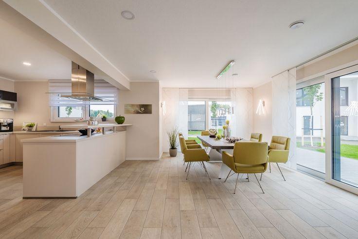 die 25 besten ideen zu musterhaus auf pinterest immobilien h user loft badezimmer und h user. Black Bedroom Furniture Sets. Home Design Ideas