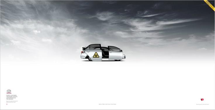Toyota - every 5 sec. http://www.toyota-screensaver.ru/
