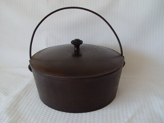 Large Cast Iron Cooking Pot Kettle With Lid And By
