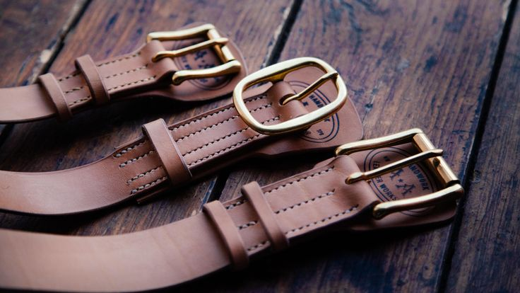 Unpainted belt in vintage style, hand-made from vegetable tanned leather