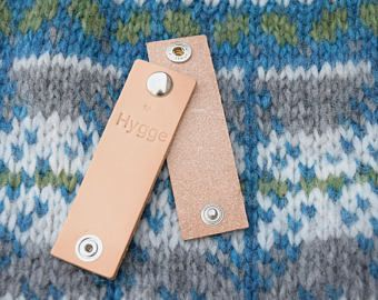 Leather label with snap button 10 x 3 cm | I LOVE WOOL