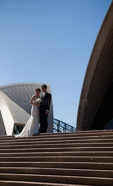 Wedding at Sydney Opera House steps b y Flickr user Shelia Smart Photography