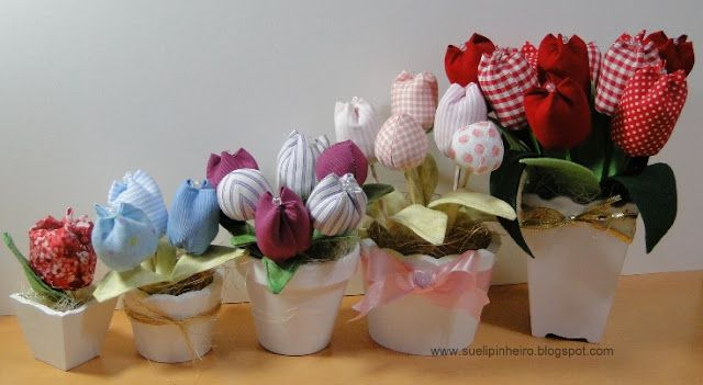 Tutorial: Fabric tulips and buds (step by step photos included)
