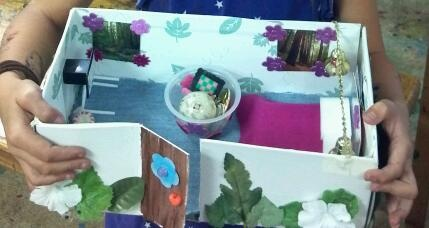 Shoe box becomes cozy haven for Lola's (7yrs) rock pet assignment for White Oak Elementary School. Rock on!