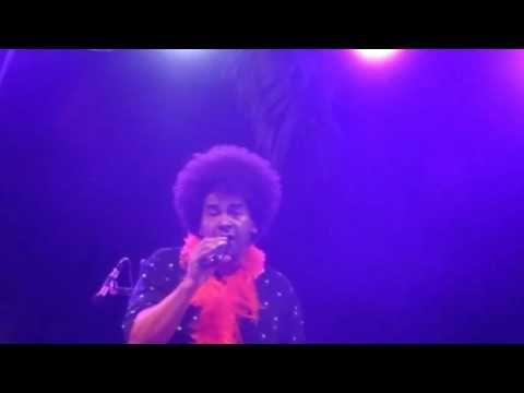 COOLFIREBAND I WILL SURVIVE Gloria Gaynor live in Puerto Banus Spain 201...