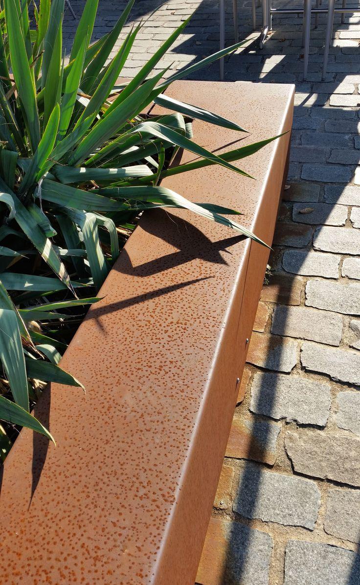 Esterni ruggine....oxydecor  http://www.spigaroloedesign.com/#!colori-micro-cemento/c21zk