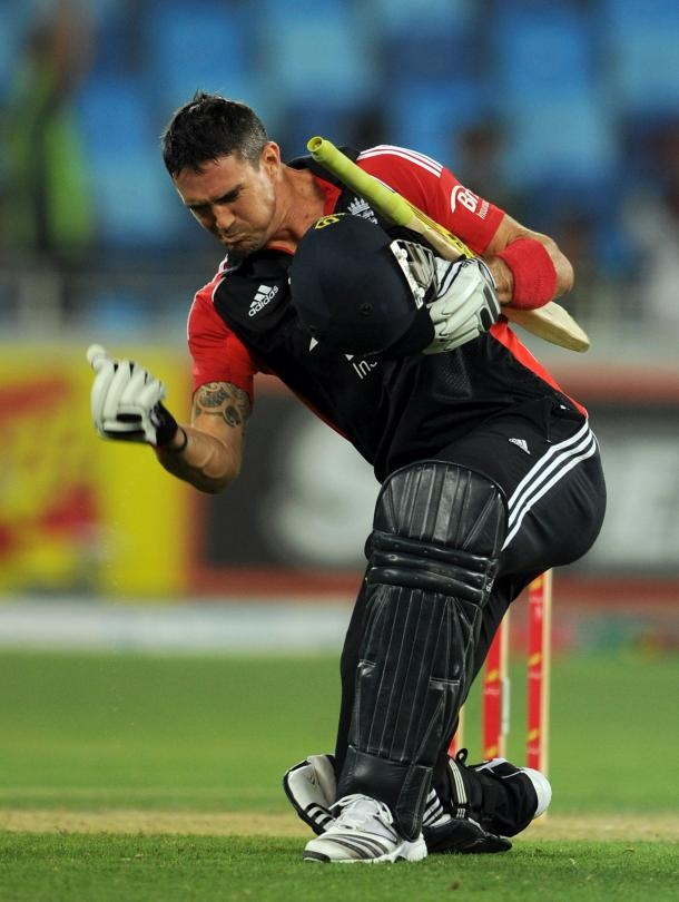 First ODI hundred for KP since November 2008. Hope this is a new beggining for him.
