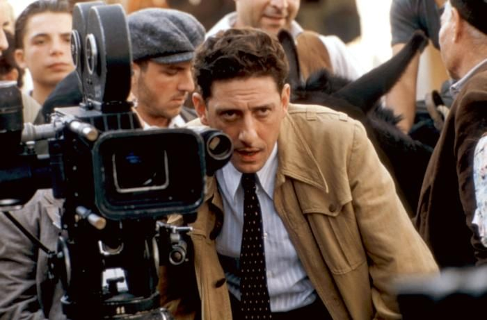 L'uomo delle stelle, Diretto da Giuseppe Tornatore, 1995.