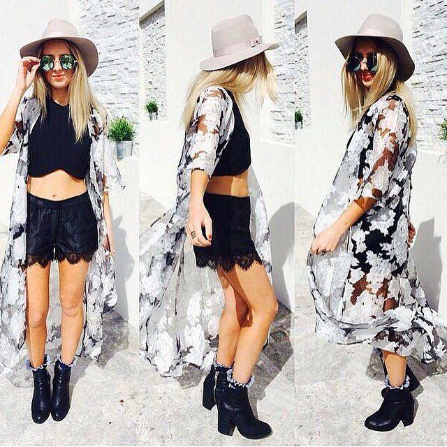 Look boho chic in our Elavonza feminine & floaty Sweet Lazaro Floral Cape ☁  www.elavonza.com Fast shipping worldwide ✈ #Elavonza #bohochic #bohostyle #bohofashion #cape #floralcape #kimono #floralkimono #fashionista #fashionblogger #bloggerstyle #styleblogger #ontrend #trendyfashion #stylish #ladiesfashion #highfashion #highstreetfashion #casualchic #citystyle #satc #onlineboutique #onlineshopping