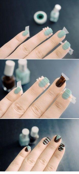 indicaciones paso a paso para pintar unas uñas de color azul y café