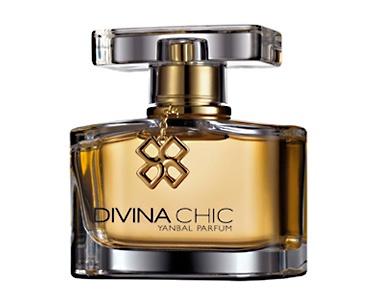 DIVINA CHIC  Perfume floral con acentos frutales. Combina notas de rosa imperial, madera de vainilla, pera y mandarina. Más que un perfume, es un accesorio de lujo que mostrará tu lado más chic.