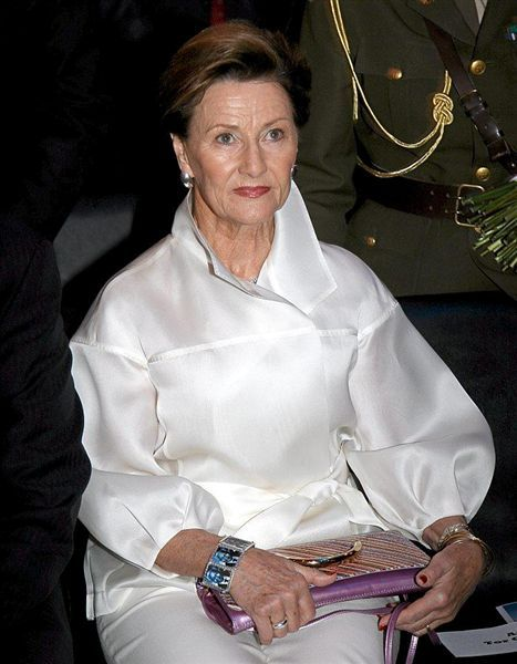 Queen Sonia of Norway wearing the Nelson Mandela bracelet that we made and that she was given by the Nobel Peace Centre in Oslo. Image Cape Times, South Africa, 2009