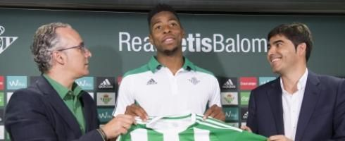 Real Betis midfielder Ryan Donk has pointed to shock results from Alaves this season and believes his side must guard  Source