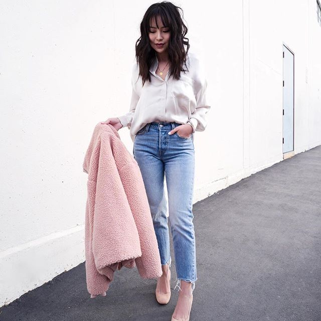 We're blushing! If you're in an outfit rut, let our fave fashionistas (like @kateogata) be your guide. Check out our Outfit Ideas Gallery for major style inspo. #regram