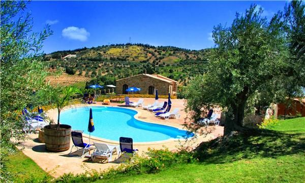 #HolidayHouse in Wonderful #Sicily incredible  old farmhouse real Sicilian style #Italy