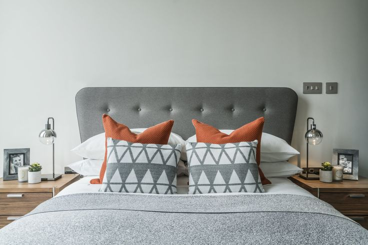 25 Chic And Serene Green Bedroom Ideas: Best 25+ Grey Orange Bedroom Ideas On Pinterest