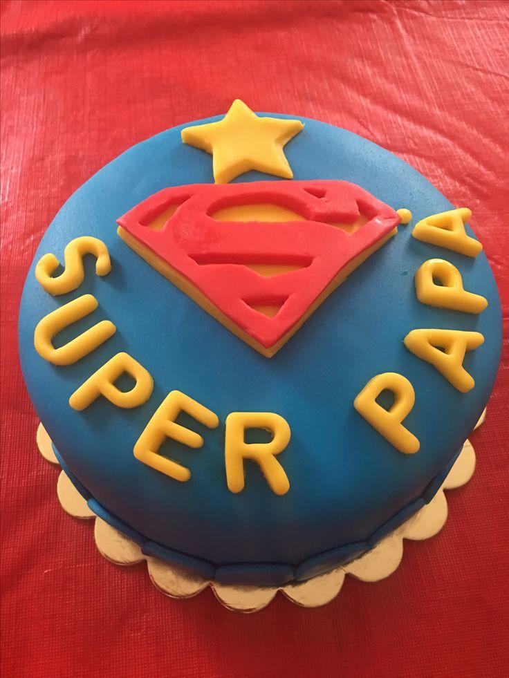 Torta Superman in pasta di zucchero
