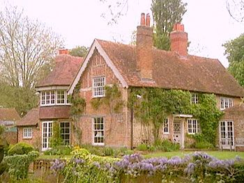 George Michael's English home! One of my favorite celebrity homes