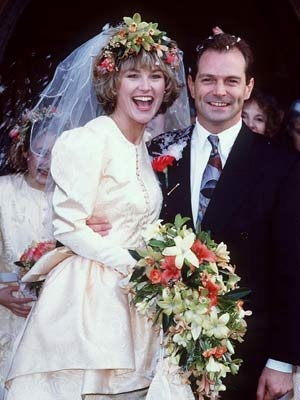 anthea turner married peter powell in 1990 b