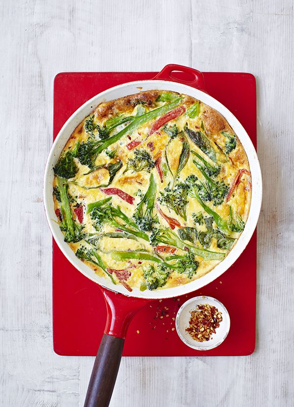 Broccoli and roasted red pepper frittata - it's on the table in just 20 minutes, plus it's low-cal and 5:2 diet-friendly.