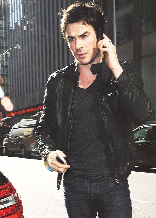 Ian Somerhalder makes talking on the phone Sexy