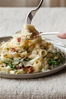 Barefoot Contessa's straw and hay pasta with gorgonzola, parmesan, peas, and pancetta.