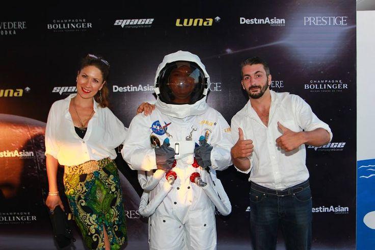 #Lunafriends #Spacechampagne&caviar #astronaut #launch #party @MeilinRohrer @MarcMetzger @Luna2 #friends #Seminyak #Bali