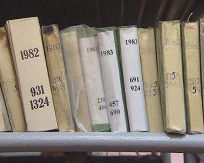 Поиск своих родословных  корней надо начинать с архива ЗАГСа, если речь идет о советском периоде , начиная с 1917 года.