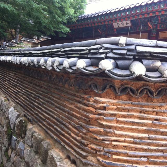 핀을 설명해 주세요..temple wall