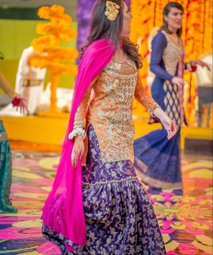 Pakistani Mehndi Dress, Shadi