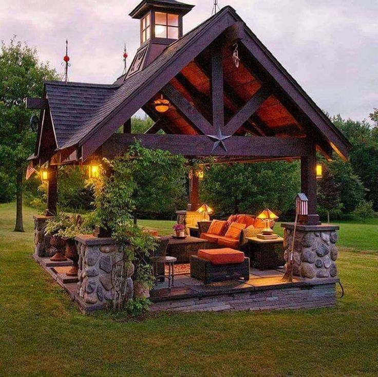 This would be PERFECT! I love everything about this outdoor living room.